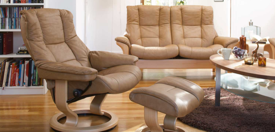 What To Look For Purchasing Living Room Chairs For Back Pain Sufferers